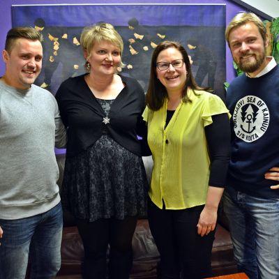 Kimmo Happo, Raisa Mäkäräinen, Marisanna Jarva ja Ollis Leppänen seisovat vierekkäin.