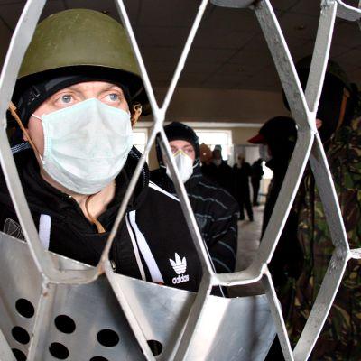 Naamioitunut venäläismielinen vartija