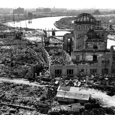 Hiroshima atomipommin jäljiltä.