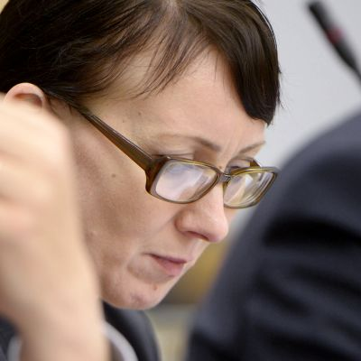 Sosiaali- ja terveysministeri Hanna Mäntylä eduskunnan täysistunnossa Helsingissä.