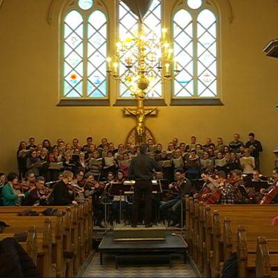 Verdin Requiemin harjoitukset Kemissä.