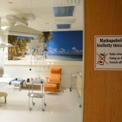 Synnytyshuone Seinäjoen keskussairaalassa.