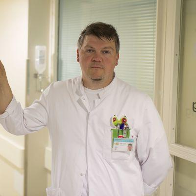 Lastentautien erikoislääkäri Markus Granholm.