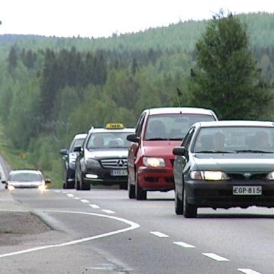 4-tie Kirri-Tikkakoski -väli