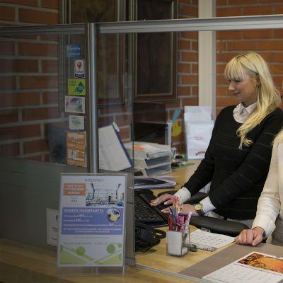 Medirexin toimitusjohtaja Anna Nurmi ja markkinointipäällikkö Erica Roiko.
