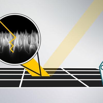 """Aurinkokennon pinnassa oleva """"nanokoon piikkimatto"""" saa valon jäämään kennolle."""