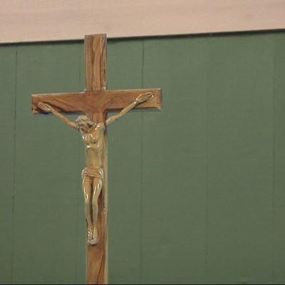 Kuvassa jeesus ristillä.