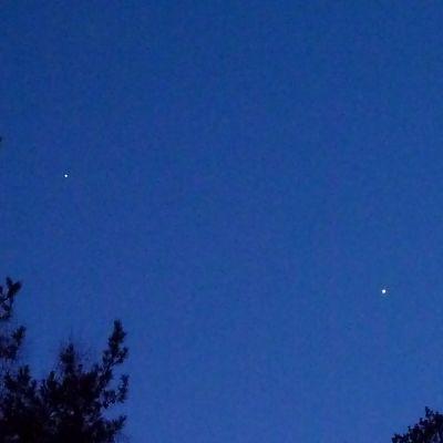 Jupiter ja Venus maaliskuun iltataivaalla