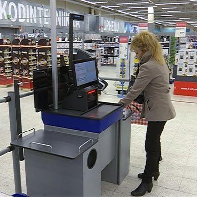 Itsepalvelukassa Rovaniemen Citymarketissa
