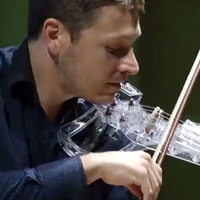 Yle Uutiset Pirkanmaa: 3D-viulu soi Tampereella