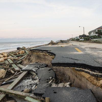 Sortunut rantatie Floridassa Hurrikaani Matthew'n jäljiltä.