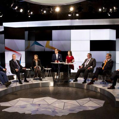 Kohti vaaleja studiossa puolueiden puheenjohtajat.
