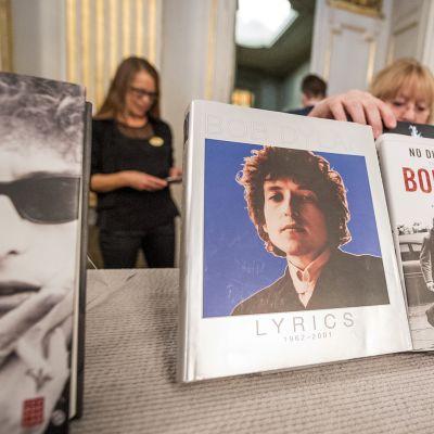 Kirjallisuuden Nobel-palkinnon julkistamistilaisuus Tukholmassa.