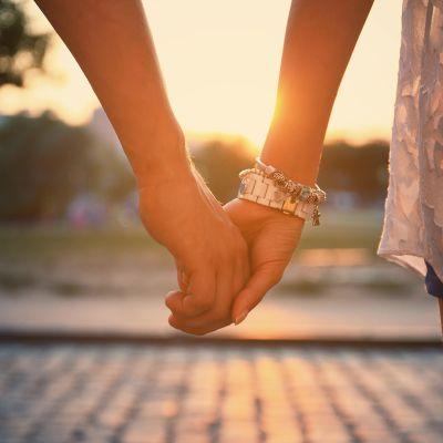 Parisuhde kädet.
