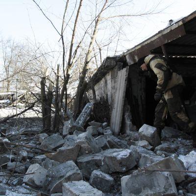Taisteluissa tuhoutuneita rakennuksia Makijivkan kaupungissa 29. tammikuuta 2017.