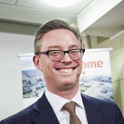 Trafiguran toimitusjohtaja Jeremy Weir Terrafame Group Oy:n tiedotustilaisuudessa