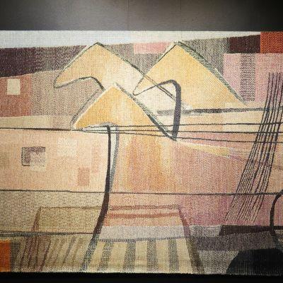 Dora Jungin taidetta.