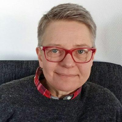 Kuvassa Virpi Karhu
