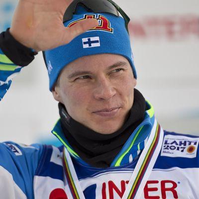 MM-Lahti, päivän tapahtumat: Tunteet pintaan – Heikkinen sai mitalin kaulaan
