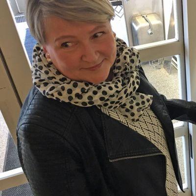 Sovittelija Seija-Sofia Käärmelahti on tyytyväinen työpäväänsä.