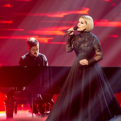 pianisti ja laulaja