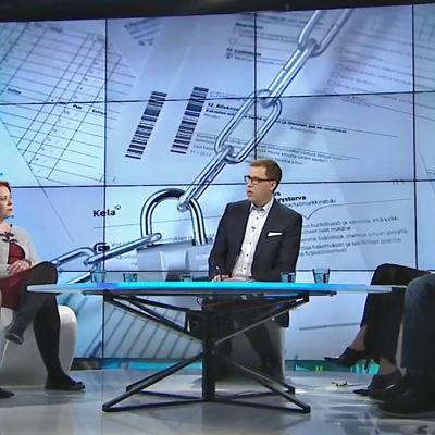 Studiossa vasemmalta Tarja Filatov, Hanna Rokkanen, Jan Andersson, Minna Vanhala-Harmanen ja Jari Lindström.