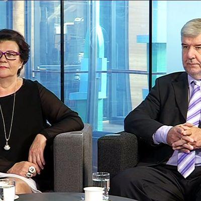 Kansanedustajat Aila Paloniemi (kesk.) ja Toimi Kankaanniemi (ps.) Yle Jyväskylän Nettistudiossa.