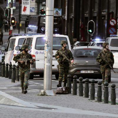 Turvallisuusviranomaisia Brysselin päärautatieasemalla 20. kesäkuuta.