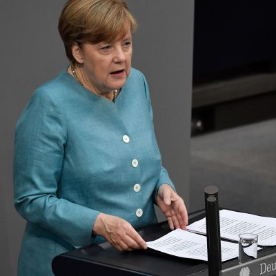 Saksan liittokansleri Angela Merkel puhuu liittopäivillä Berliinissä 29. kesäkuuta.