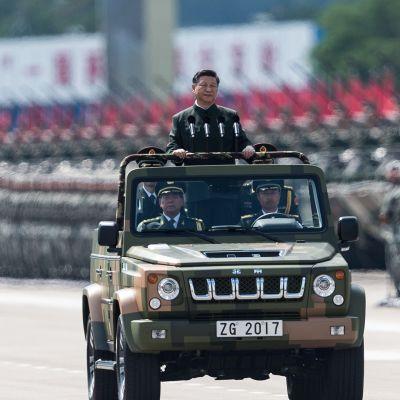 Kiinan presidentti Xi Jinping kuvattuna vierailunsa aikana Hong Kongissa 30. kesäkuuta.