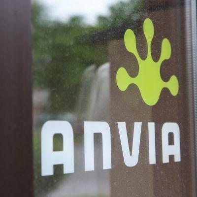 Anvian logo ovessa.