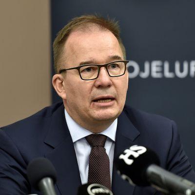 Suojelupoliisin päällikkö Antti Pelttari Suojelupoliisin tiedotustilaisuudessa Helsingissä 19. elokuuta 2017.