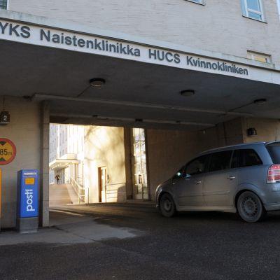 Naistenklinikka Helsingissä.
