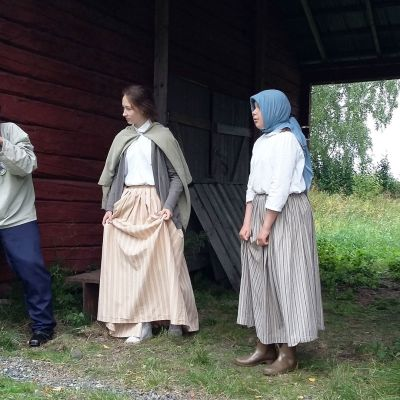 Putaan koululaisten Luther-elämyspolku -näytelmän kohtaus ukkosesta