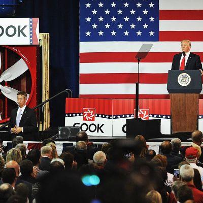 Trump puhuu Missourissa.