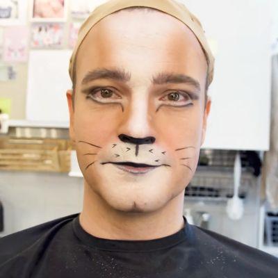 mies kissamaskissa
