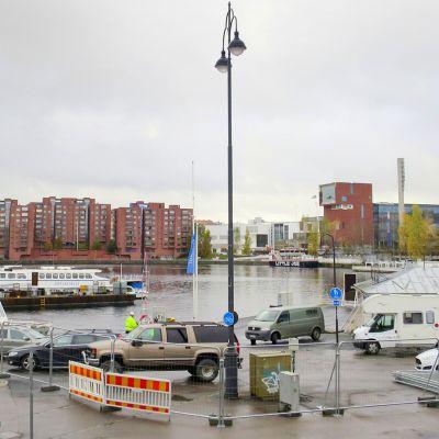 Tampereen Laukontori, tulevan saunapaviljongin paikka.