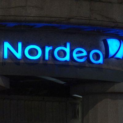 Nordean logo pankin seinässä.