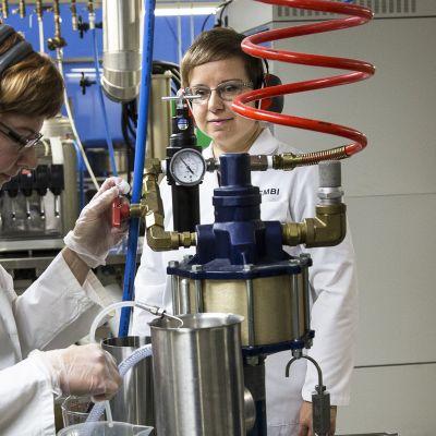 Kuusikumin käyttömahdollisuuksia kehitetään suomalaisissa tutkimuslaitoksissa.