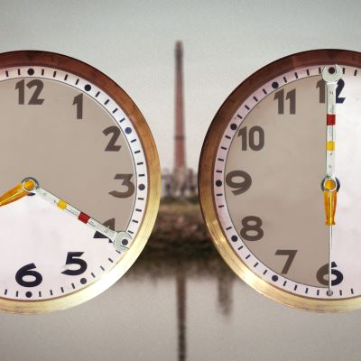 Työaikaa näyttävät kellot