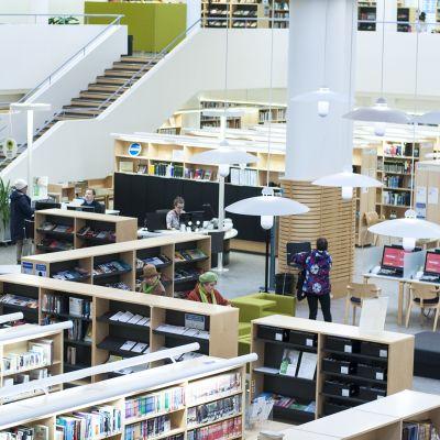 Yleiskuva Jyväskylän kaupunginkirjastosta