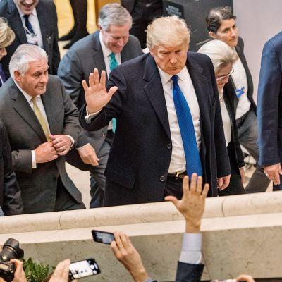 Trump puhuu Davosin talousfoorumissa