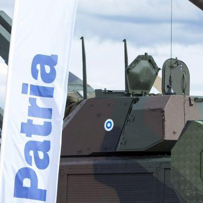 Asevalmistaja Patrian ajoneuvoalustoille asennettuja tornillisia kranaatinheittimiä.