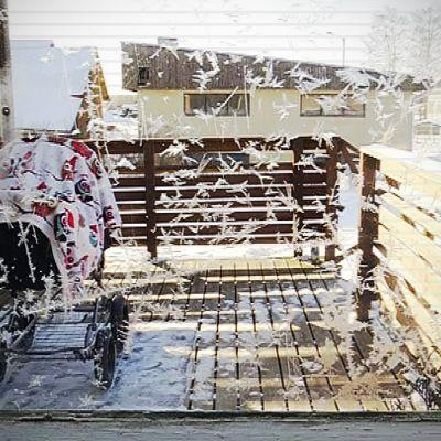 Vauvojen nukuttamisella ulkona on Suomessa pitkät perinteet.