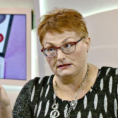 Tietokirjailija Elina Juusola.