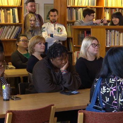 Studerande vid Lärkkulla folkakademi i Karis.