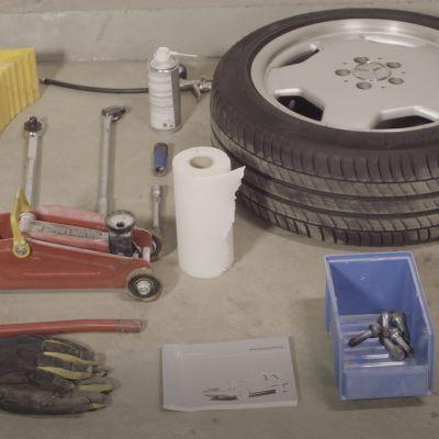 Renkaanvaihtoon tarvittavat työkalut