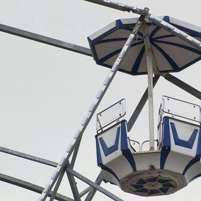Maailmanpyörän vaunu Suomen Tivolissa