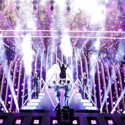 Euroviisut alkavat Lissabonissa sinisellä matolla