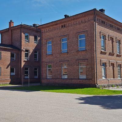 Varuskunnantalo 2